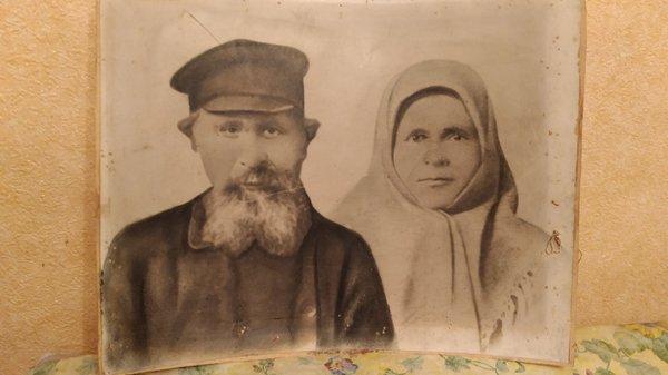 Родители Анны Ефимовны Макаровой.jpg