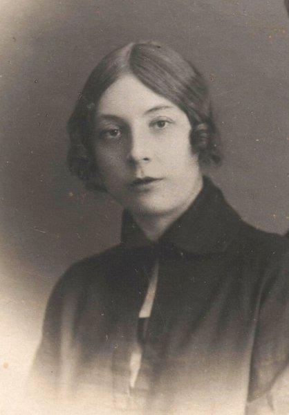 София Ф.Лапшина снимок 1920-х г. 002.jpg